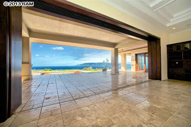 200 Kalaunu PL in Honolua Ridge