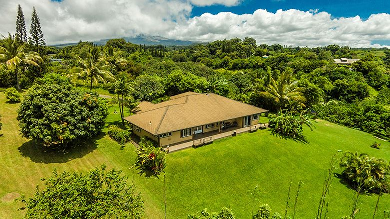 894 E Kuiaha Rd in Haiku