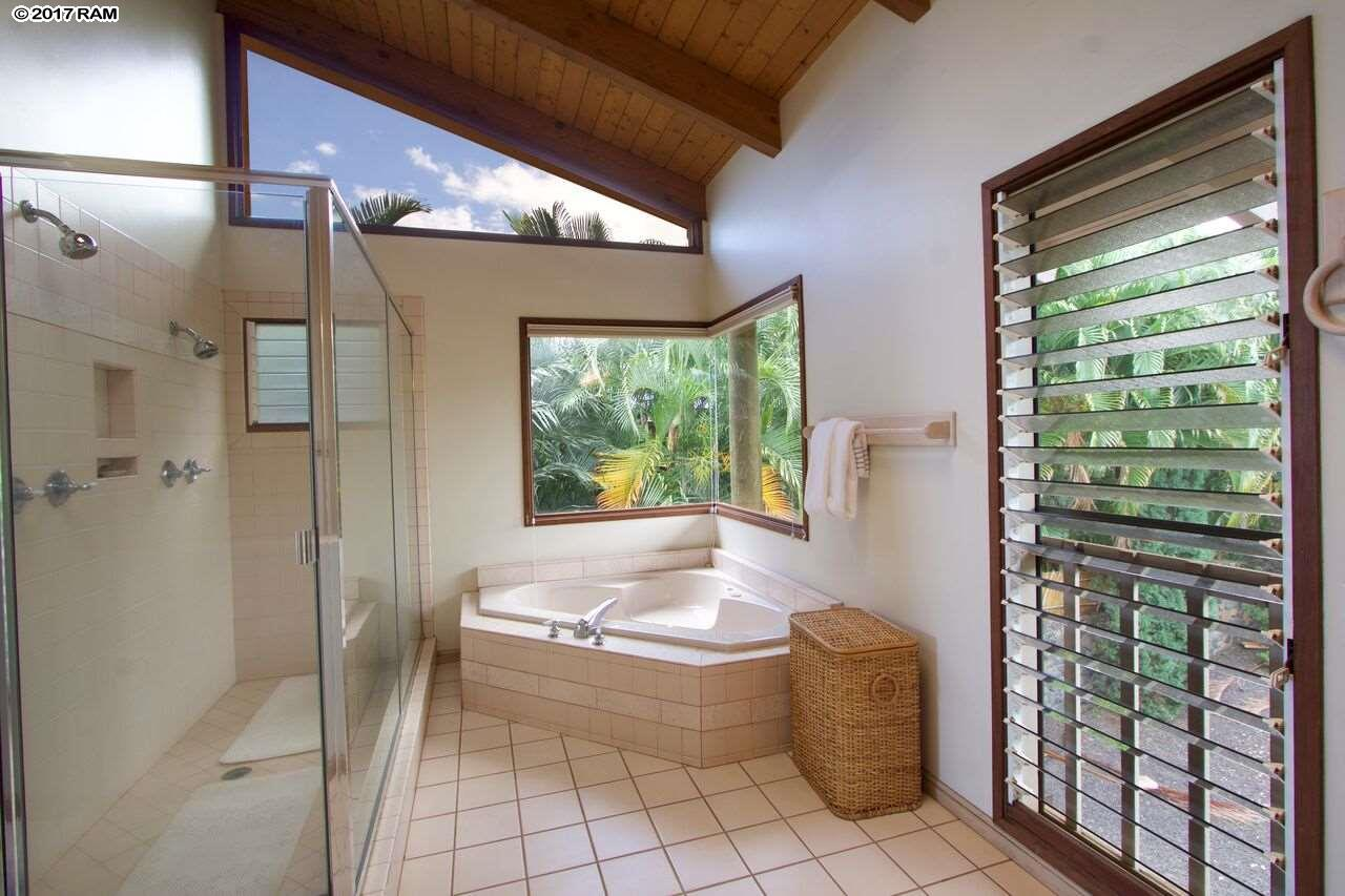 3427 Keha Dr in Maui Meadows
