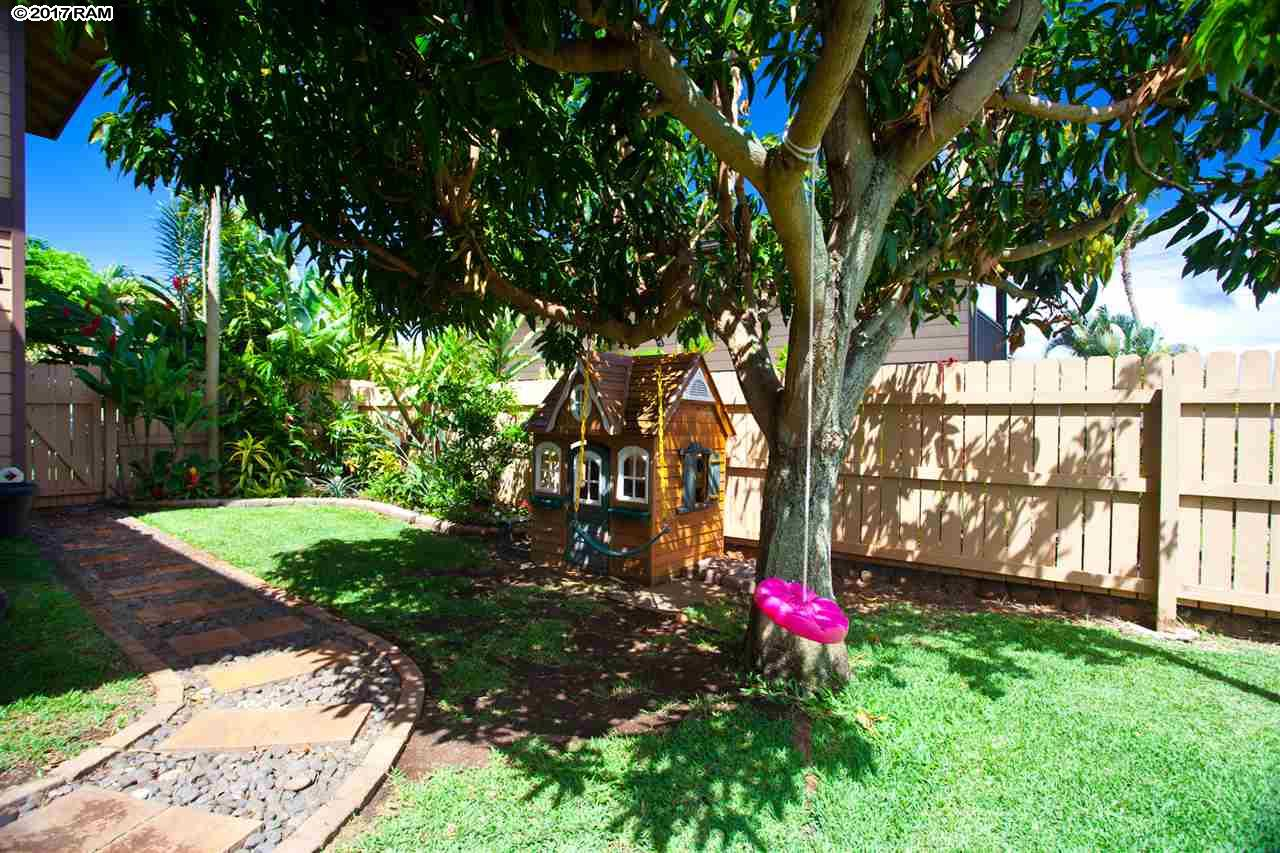 202 Kahana Ridge Dr in Kahana