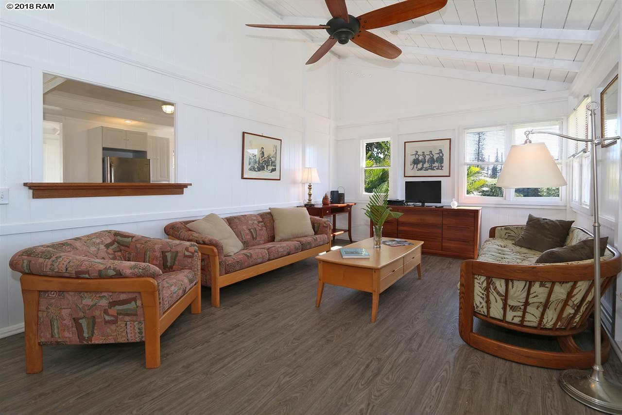 360 Ehunani Cir in Lanai City