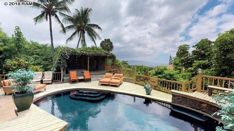 550 Kupulau Dr in Maui Meadows