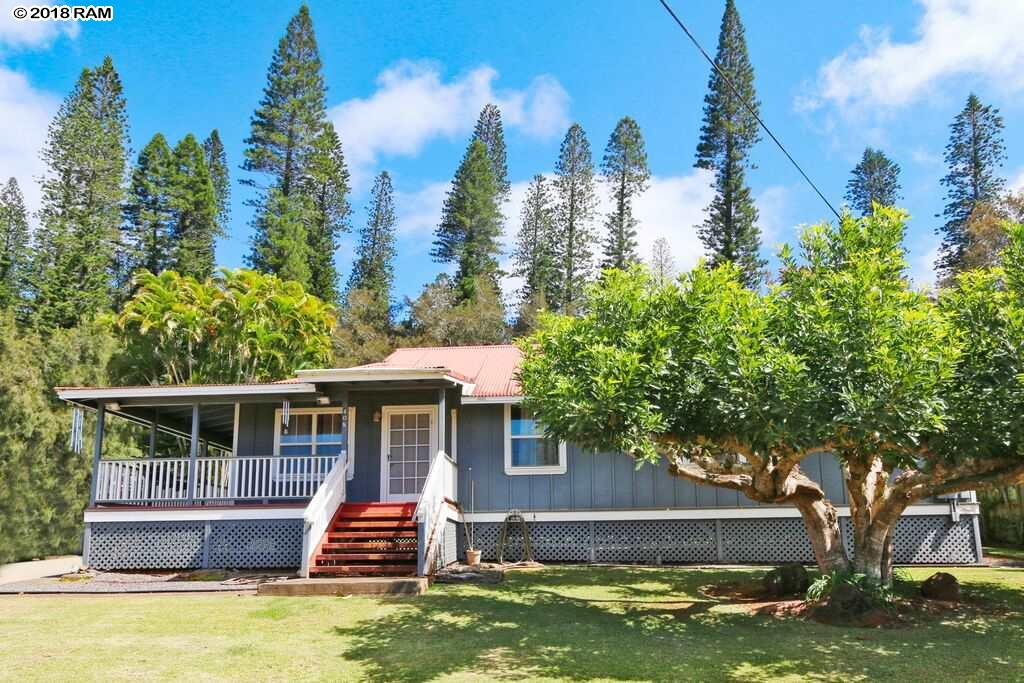 400 Mahana Pl in Lanai City