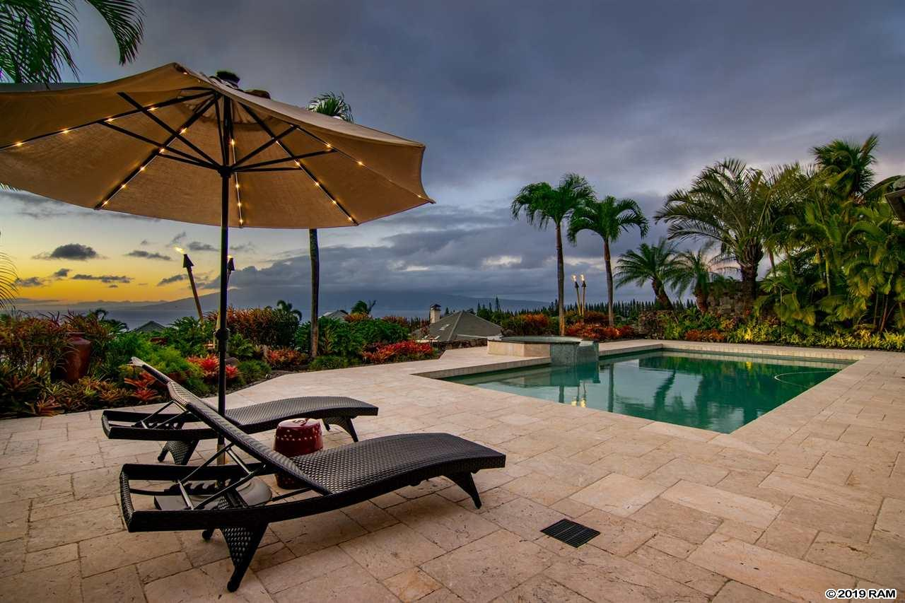 614 Silversword Dr in Kapalua
