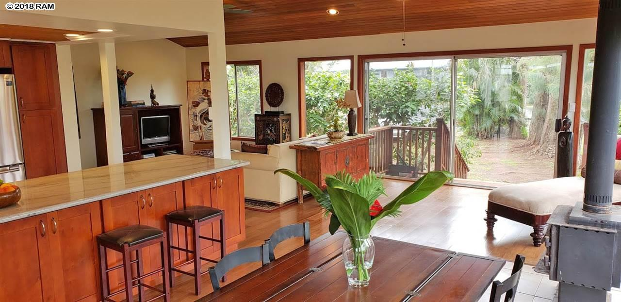 1269 Pohuli Way in Makawao Town