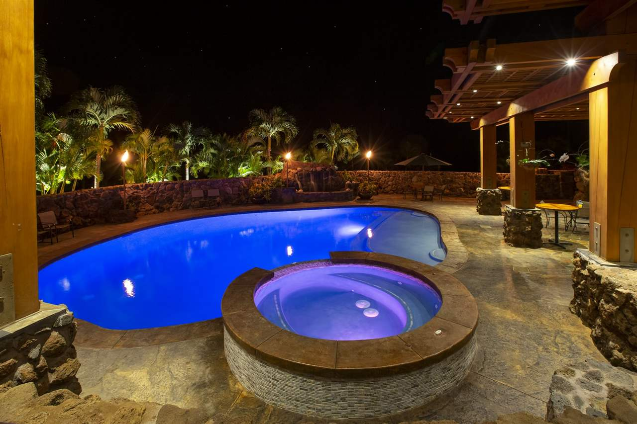 450 Hulopoe Dr in Manele Bay