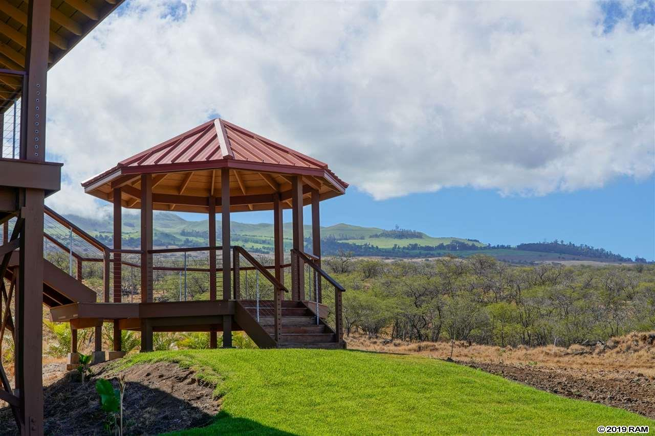 576 Kumulani Dr in Maui Meadows