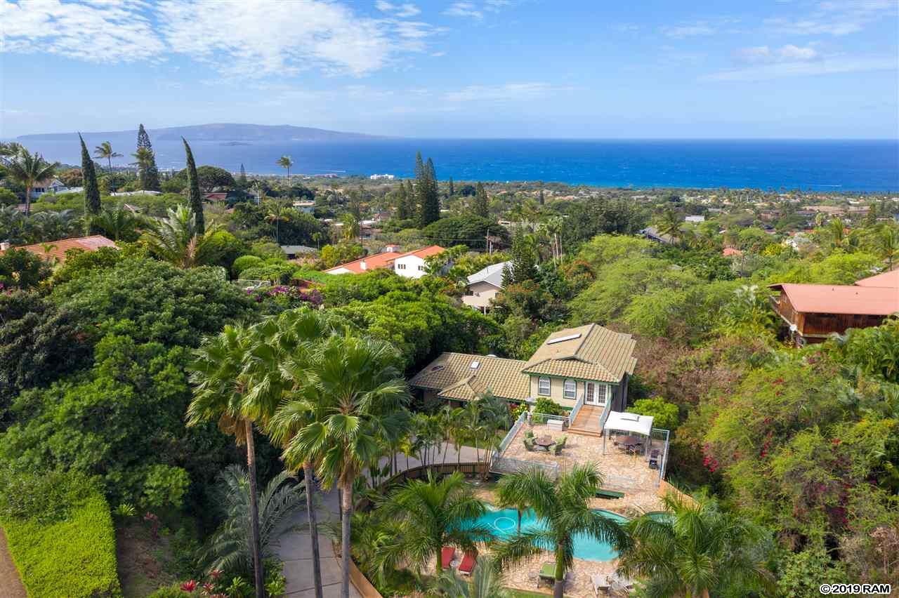 3246 Keha Dr in Maui Meadow