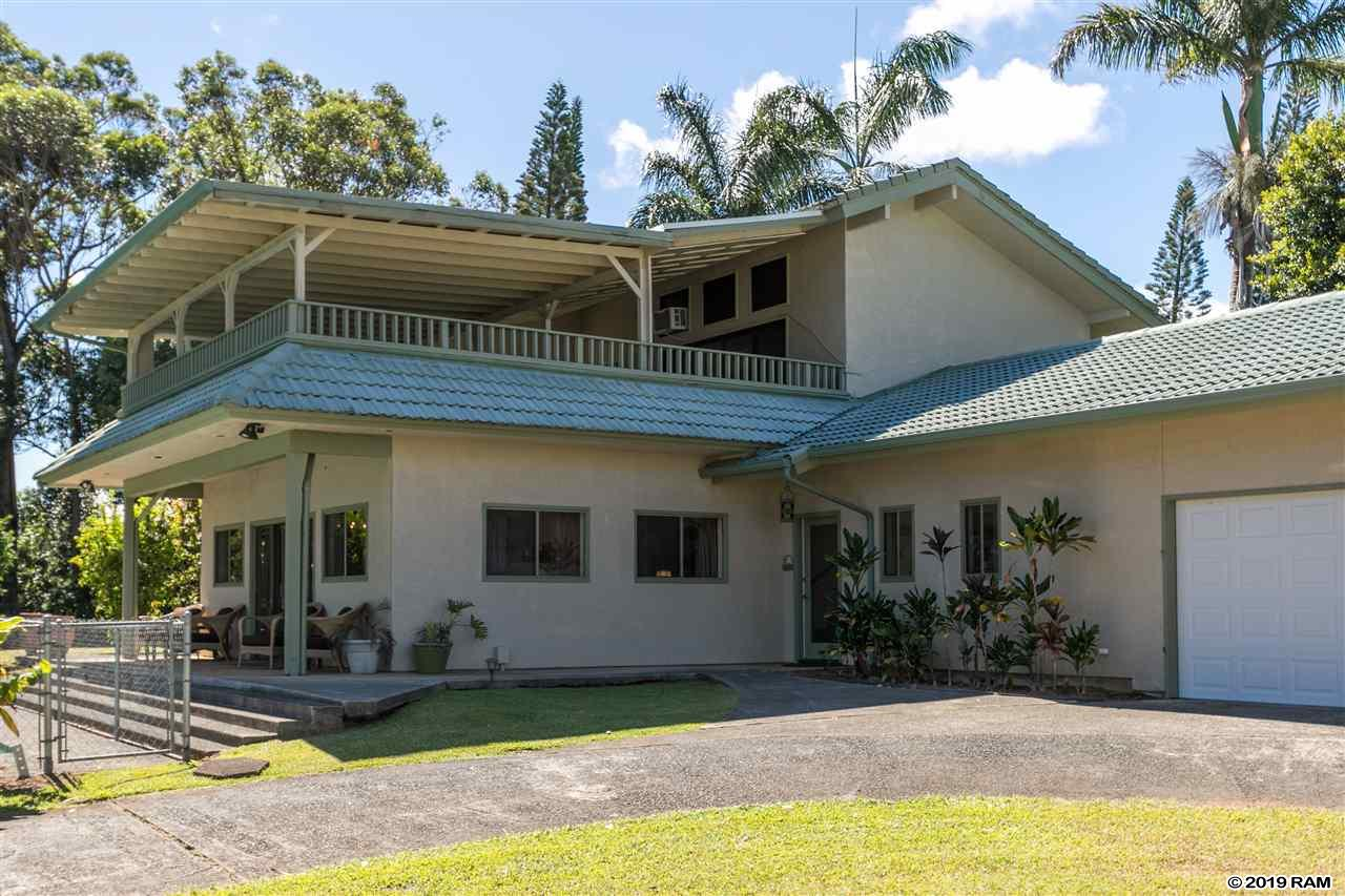 1555 W Kuiaha Rd in Haiku