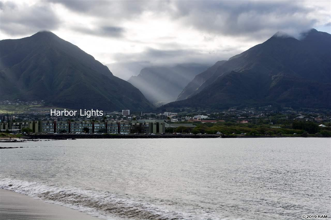 Harbor Lights #B-411 in Kaahumanu