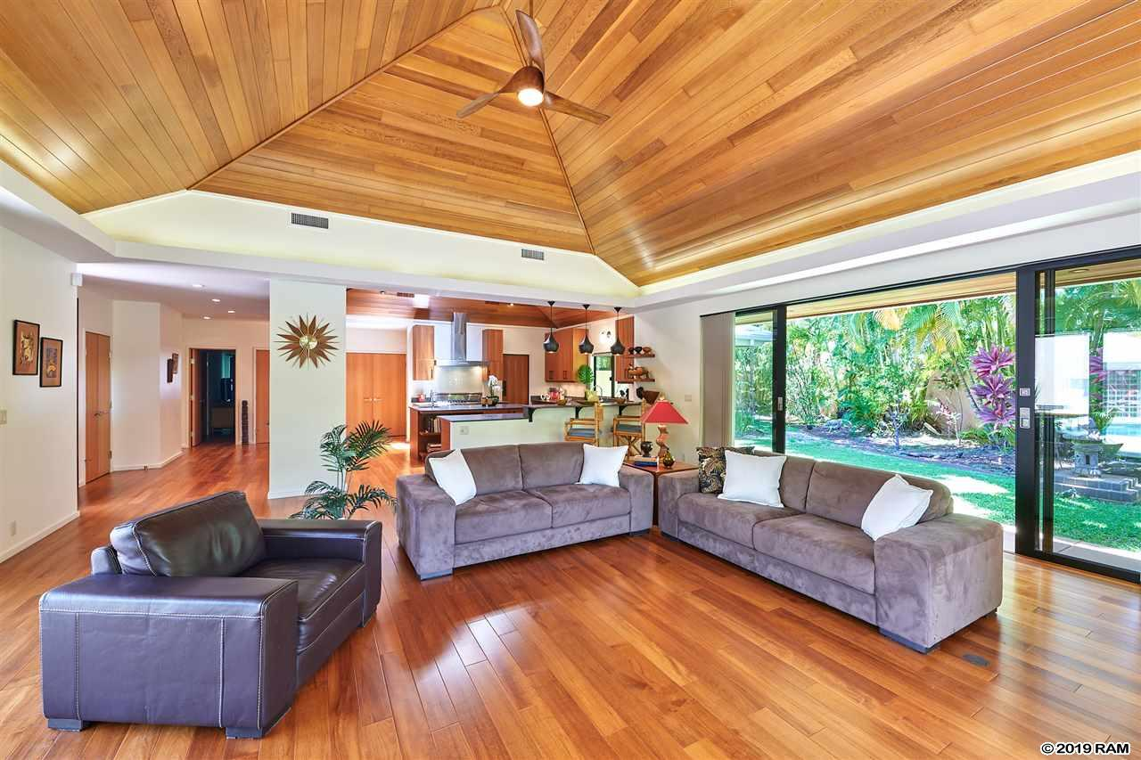49 Hoawaa Way in Wailea Kai