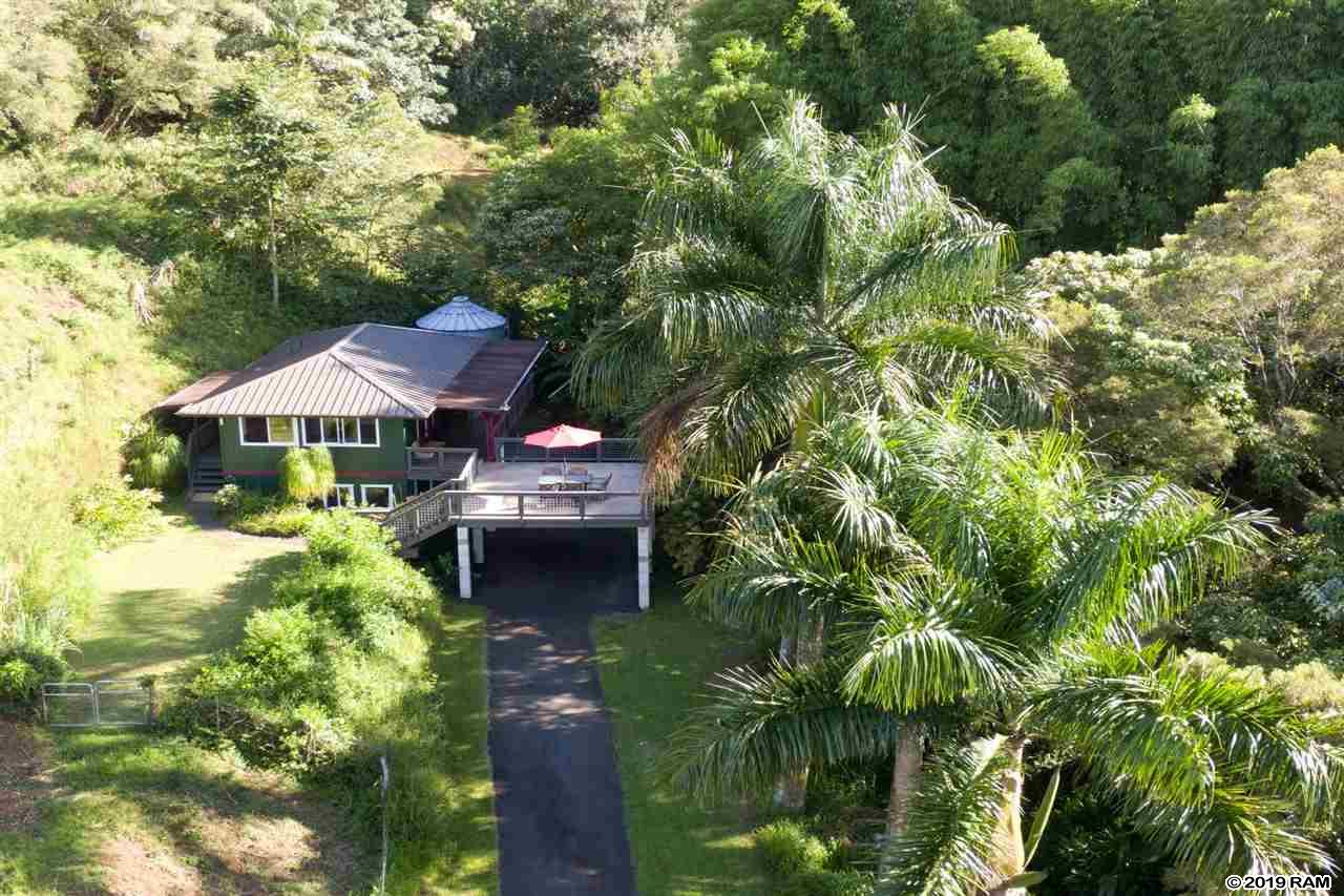 6190 Hana Hwy in Honopou Ranch