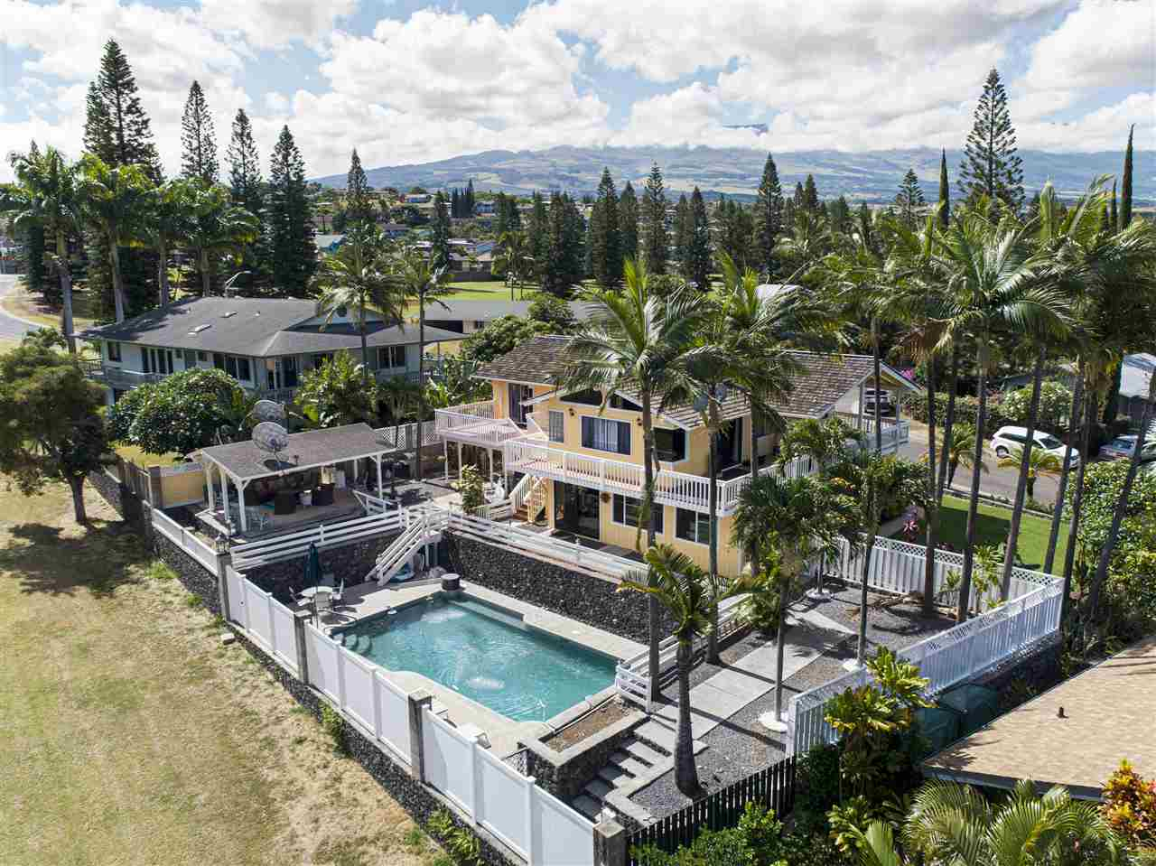 2801 Keikilani St in Golf Estates