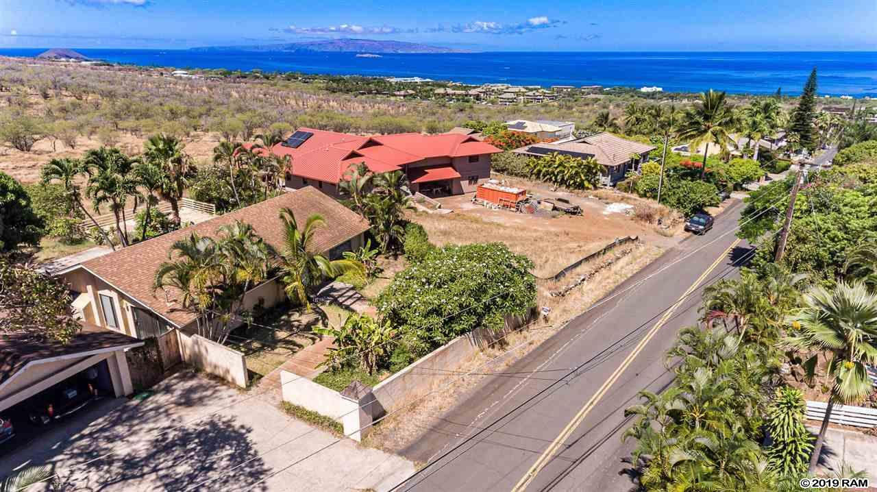 586 Kumulani Dr in Maui Meadows