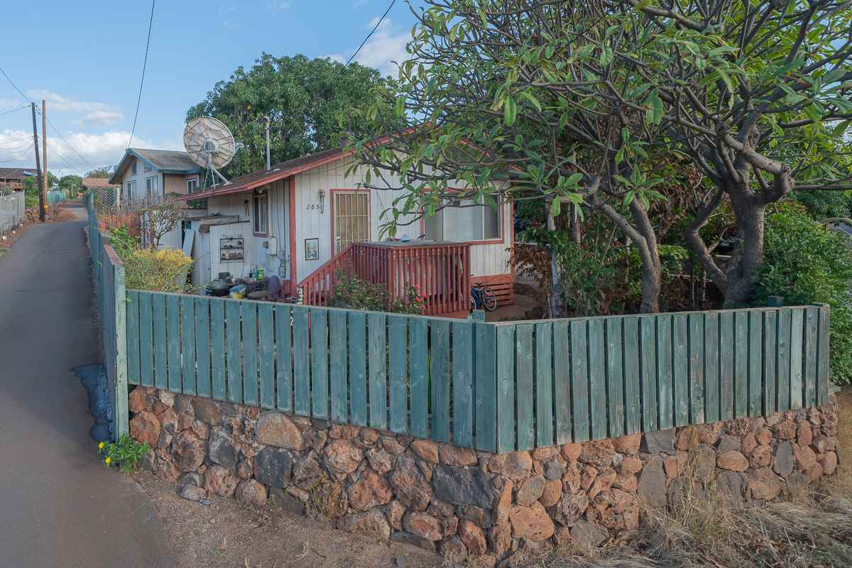 285 Kenolio Rd in North Kihei